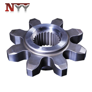 Mining machinery travelling gear with spline